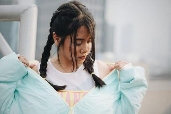 Kekinian! Ini Dia Style Hanin Dhiya yang Simpel dan Anak Muda Banget