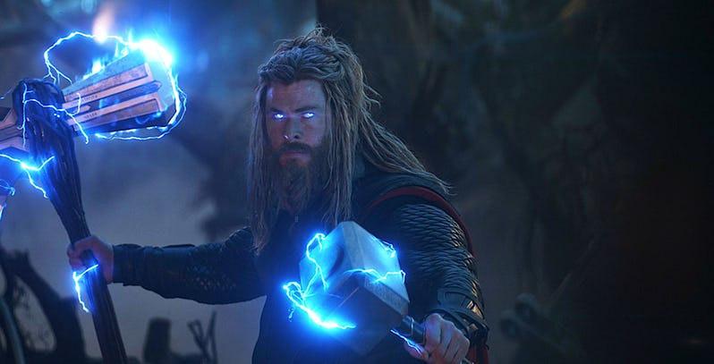 Avengers-Endgame-Thor-Stormbreaker-Mjolnir-Chris-Hemsworth