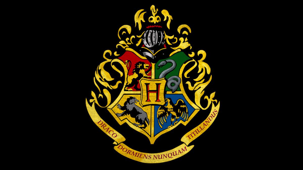 Apa Sih Arti dari Hogwarts Logo?