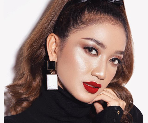 Ini Dia Potret Cantik Rita Nurmaliza Miss Earth-Fire Indonesia 2017