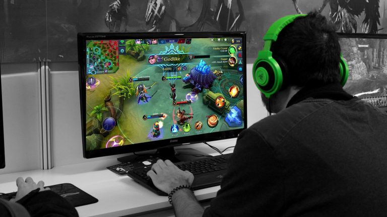 Bosan Main di HP? Ini Cara Main Mobile Legends di PC!