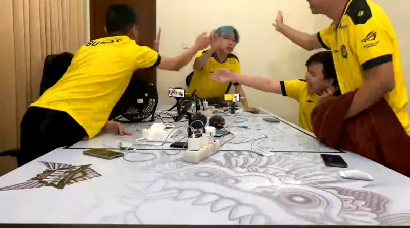 upstation-MPL ID Season 8 Week 7 Day 3: RRQ Hoshi ke Puncak, Evos Legends Kalah Lagi!