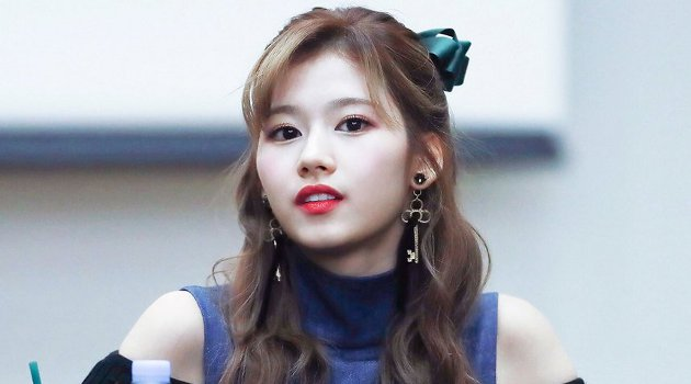 TWICE's Sana Tearfully Opens Up And Expresses Gratitude To