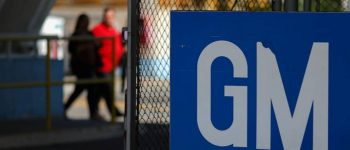 GM and UAW union to continue talks on Monday